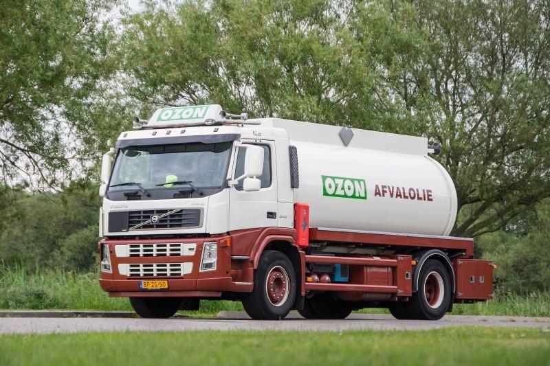 Oude koelvloeiststof afvoeren per tankwagen